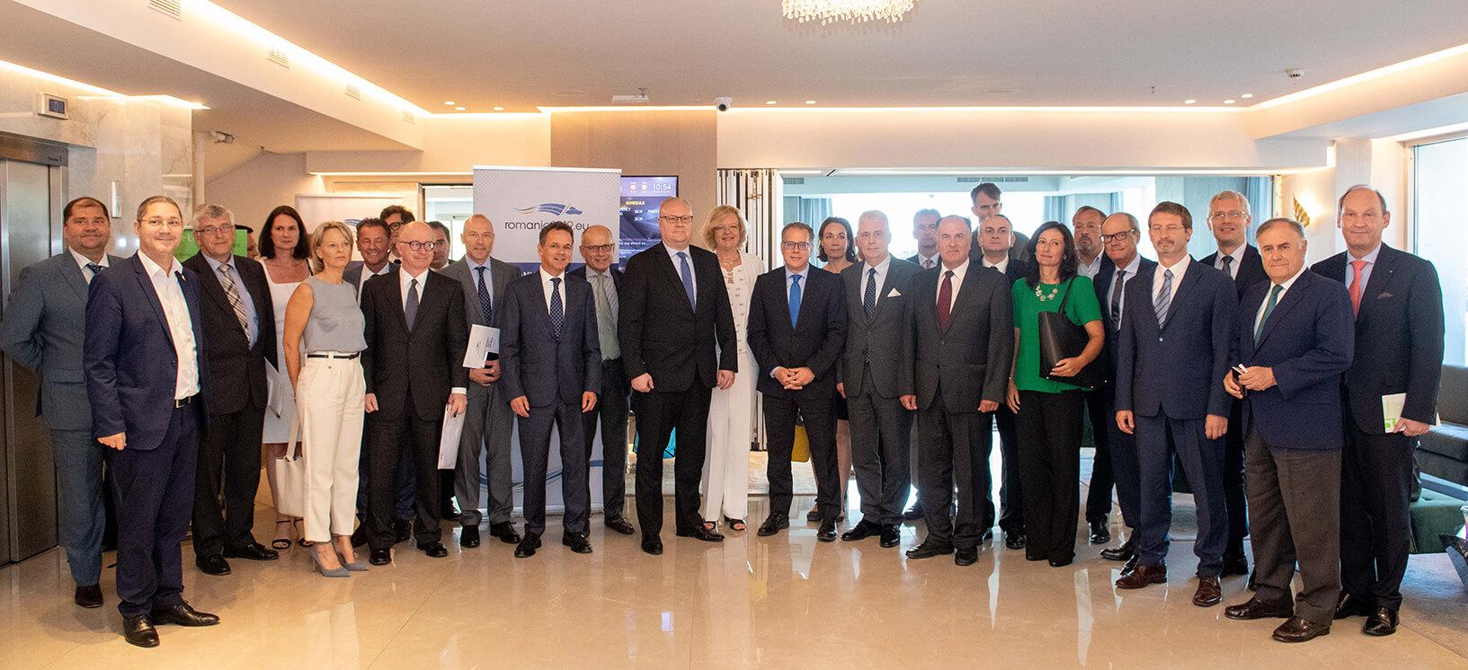 Ο Γ. Κουμουτσάκος με Πρέσβεις της ΕΕ. Συζήτηση για τα μείζονα ζητήματα της ελληνικής εξωτερικής πολιτικής